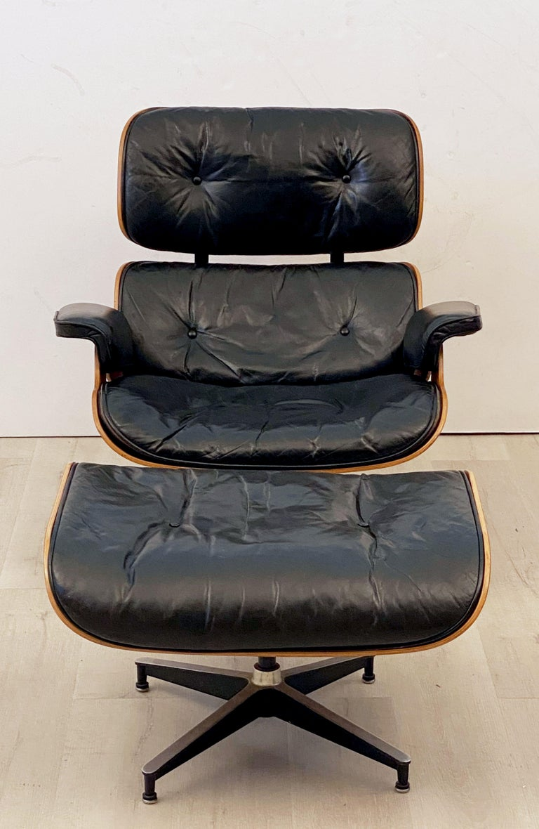 Early Production Charles and Ray Eames Rosewood Lounge Chair with Ottoman For Sale 8
