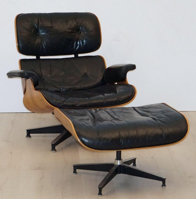 Upholstery Early Production Charles and Ray Eames Rosewood Lounge Chair with Ottoman For Sale