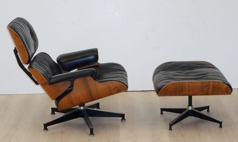 Early Production Charles and Ray Eames Rosewood Lounge Chair with Ottoman For Sale 2