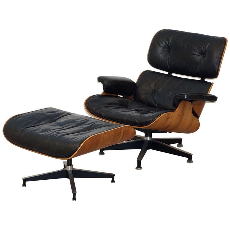 Early Production Charles and Ray Eames Rosewood Lounge Chair with Ottoman For Sale