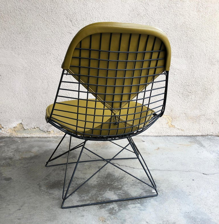 Mid-Century Modern Early Production Eames LKR Wire Chair For Sale