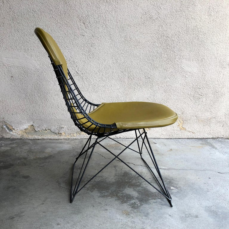 American Early Production Eames LKR Wire Chair For Sale