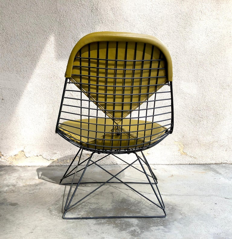 Mid-20th Century Early Production Eames LKR Wire Chair For Sale