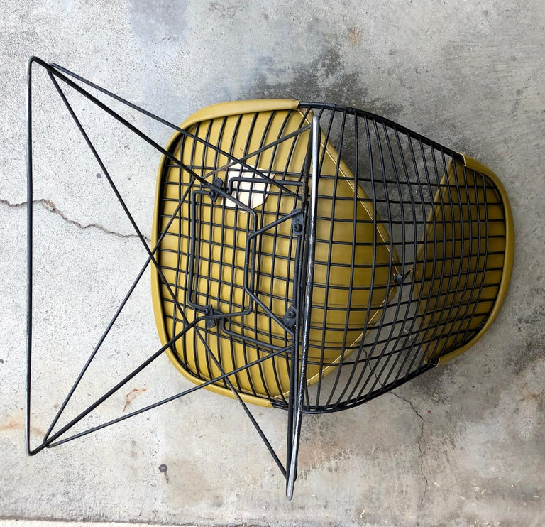 Early Production Eames LKR Wire Chair For Sale 2