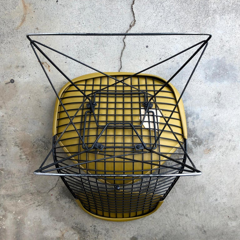 Early Production Eames LKR Wire Chair For Sale 3