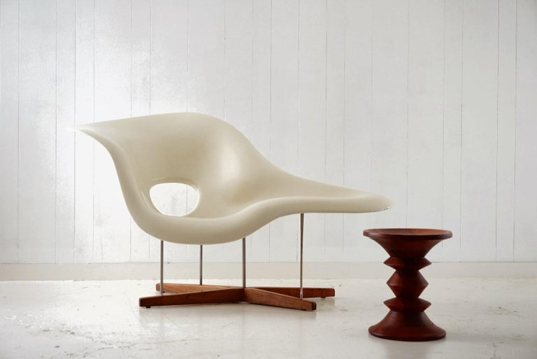 An incredible example of innovative design by Ray and Charles Eames. The 'La Chaise' was the Eames's entry into the Museum of Modern Art's 1948 'International Competition for Low Cost Furniture Design'. Paying homage and named after Gaston