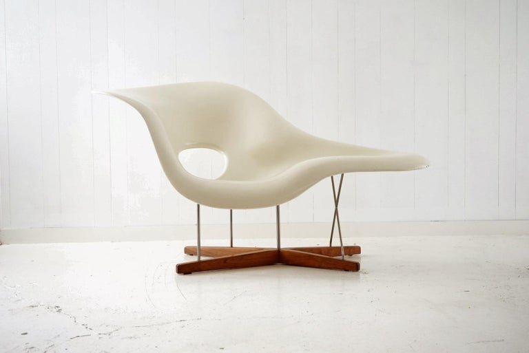 Mid-Century Modern Early Production 'La Chaise' by Charles and Ray Eames for Vitra, circa 1996 For Sale