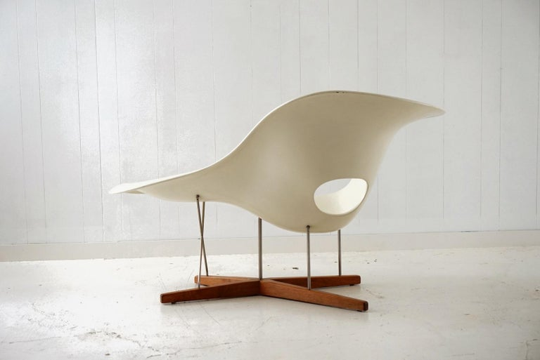 Early Production 'La Chaise' by Charles and Ray Eames for Vitra, circa 1996 In Good Condition For Sale In Los Angeles, CA