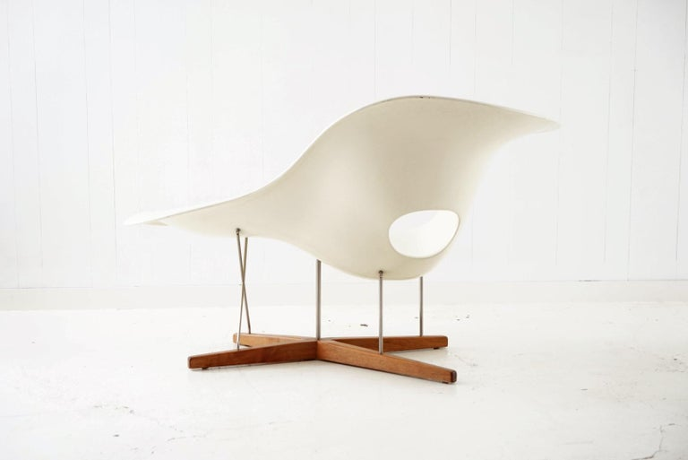 Early Production 'La Chaise' by Charles and Ray Eames for Vitra, circa 1996 For Sale 1