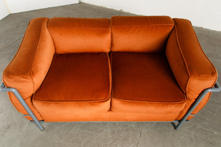 Early Production LC2 Loveseat Sofa by Le Corbusier for Cassina, c. 1965, Signed For Sale 6