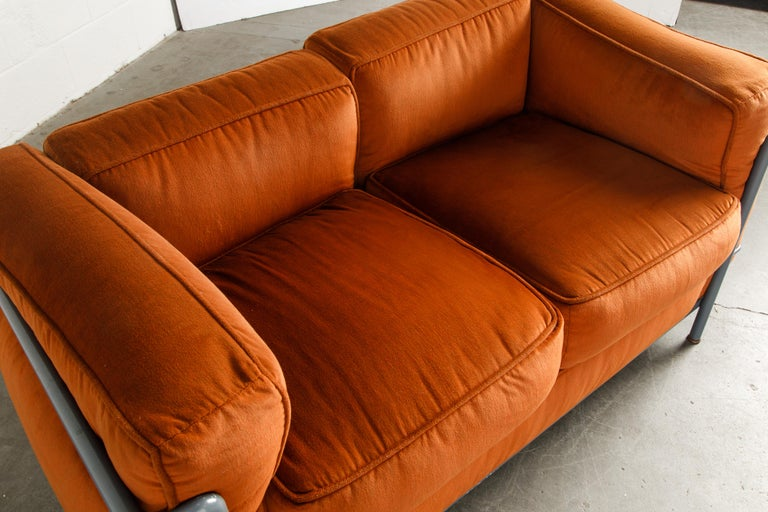 Early Production LC2 Loveseat Sofa by Le Corbusier for Cassina, c. 1965, Signed For Sale 8