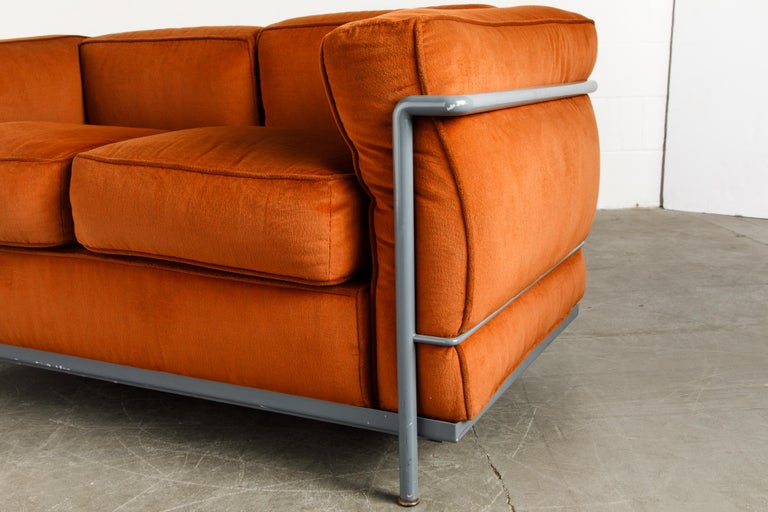Early Production LC2 Loveseat Sofa by Le Corbusier for Cassina, c. 1965, Signed For Sale 9