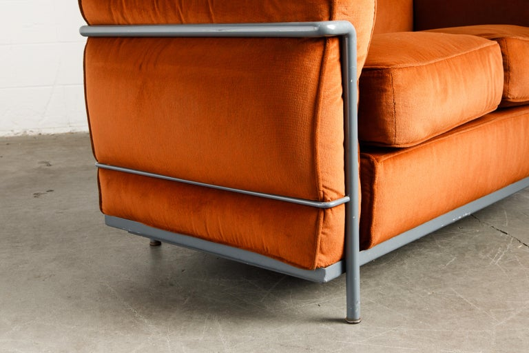 Early Production LC2 Loveseat Sofa by Le Corbusier for Cassina, c. 1965, Signed For Sale 10