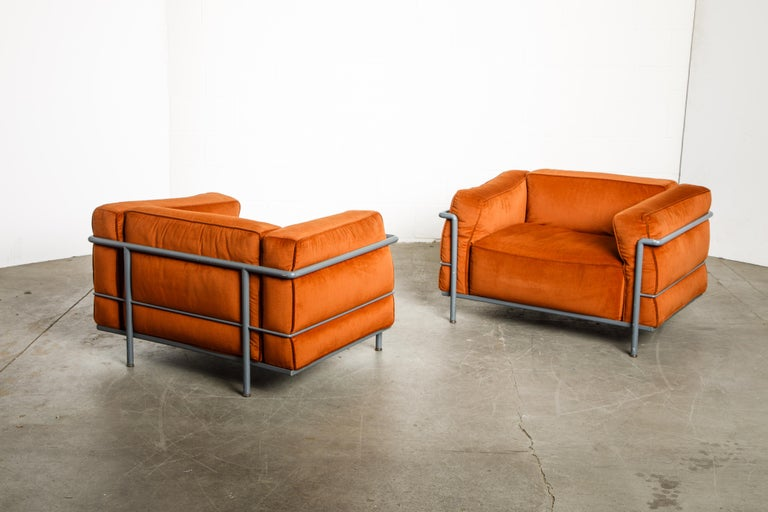 Early Production LC2 Loveseat Sofa by Le Corbusier for Cassina, c. 1965, Signed For Sale 13