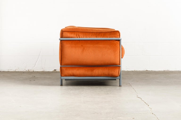 Italian Early Production LC2 Loveseat Sofa by Le Corbusier for Cassina, c. 1965, Signed For Sale