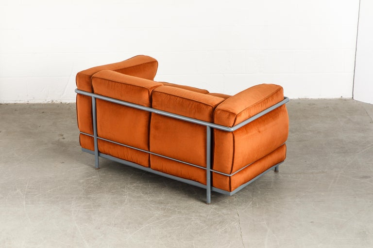 Mid-20th Century Early Production LC2 Loveseat Sofa by Le Corbusier for Cassina, c. 1965, Signed For Sale