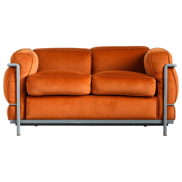 Early Production LC2 Loveseat Sofa by Le Corbusier for Cassina, c. 1965, Signed For Sale