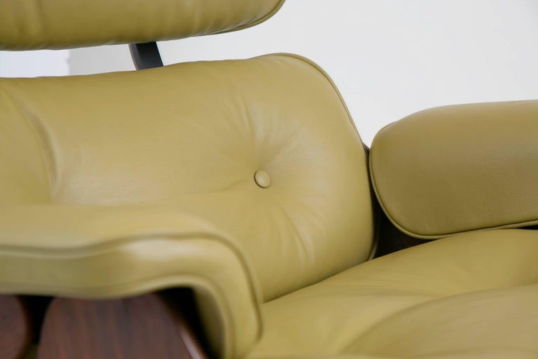 Early Production Model 670/671 Lounge Chair & Ottoman by Charles & Ray Eames For Sale 6