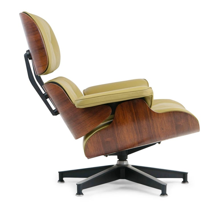 Mid-20th Century Early Production Model 670/671 Lounge Chair & Ottoman by Charles & Ray Eames For Sale