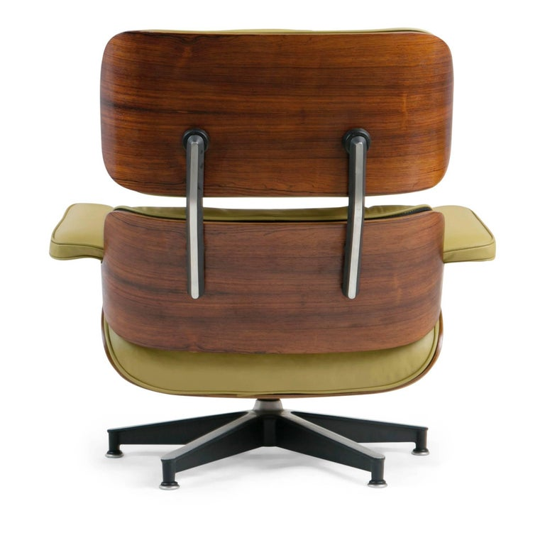 Early Production Model 670/671 Lounge Chair & Ottoman by Charles & Ray Eames For Sale 1