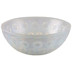 "Early René Lalique ""Asters"" Bowl in Art Glass, Dated before 1945"