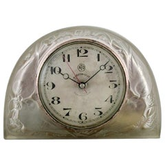 """Early René Lalique """"Moineaux"""" Clock in Satin Finished Art Glass, circa 1924"""