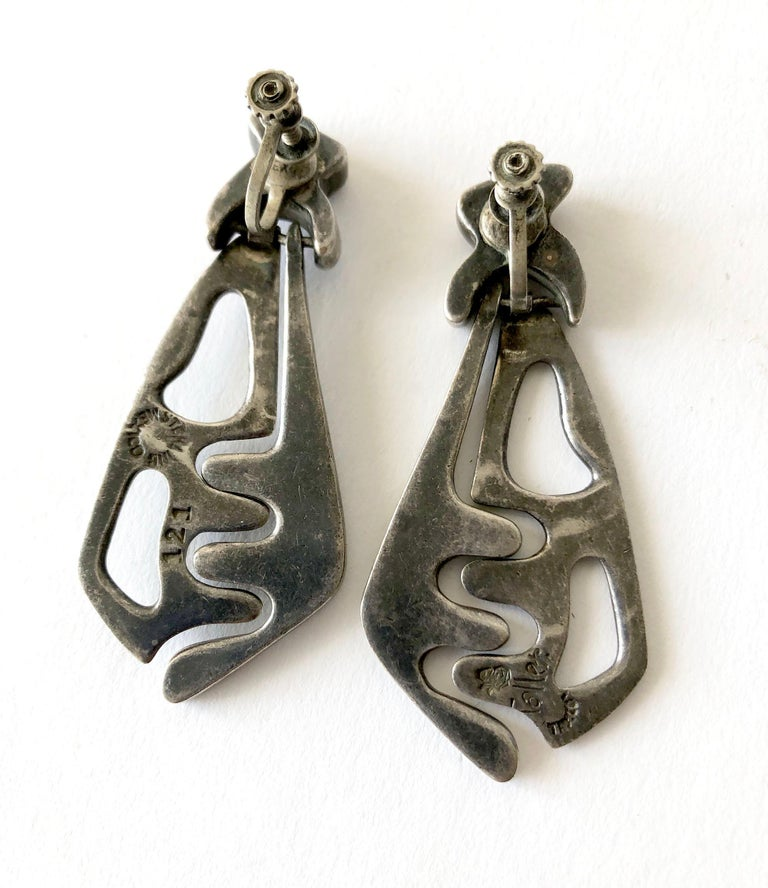 Early Salvador Teran Taller Mexico Sterling Silver Kinetic Puzzle Earrings In Good Condition For Sale In Los Angeles, CA