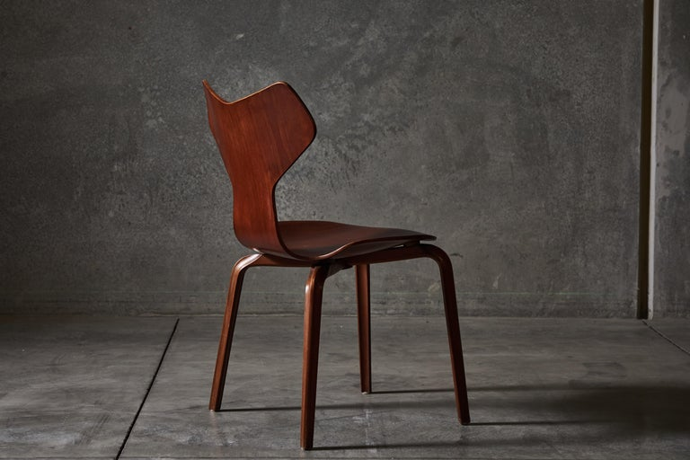 Early Set of Eight Grand Prix Chairs by Arne Jacobsen For Sale 4