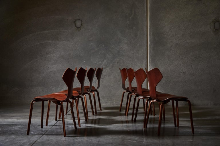 Early Set of Eight Grand Prix Chairs by Arne Jacobsen In Good Condition For Sale In Los Angeles, CA