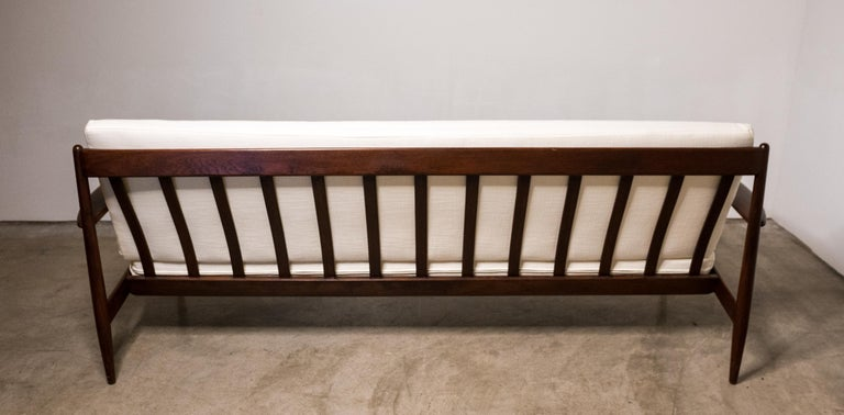 Early Sofa by Grete Jalk for France and Daverkosen For Sale 6