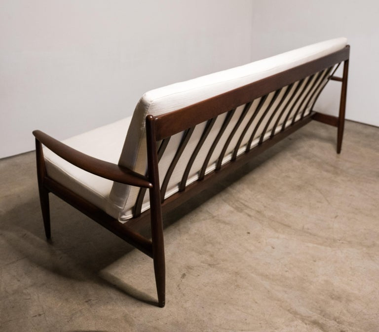 Early Sofa by Grete Jalk for France and Daverkosen For Sale 7