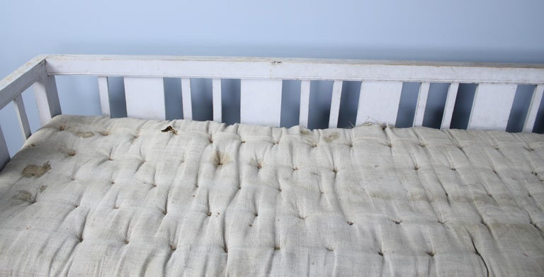 Early Swedish Sofa or Daybed, Original Paint For Sale 2