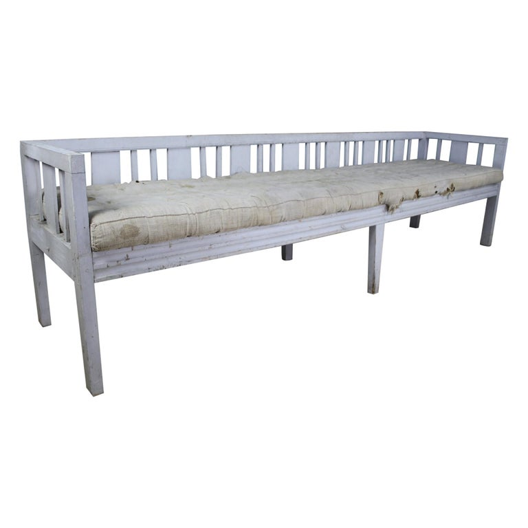 Early Swedish Sofa or Daybed, Original Paint For Sale