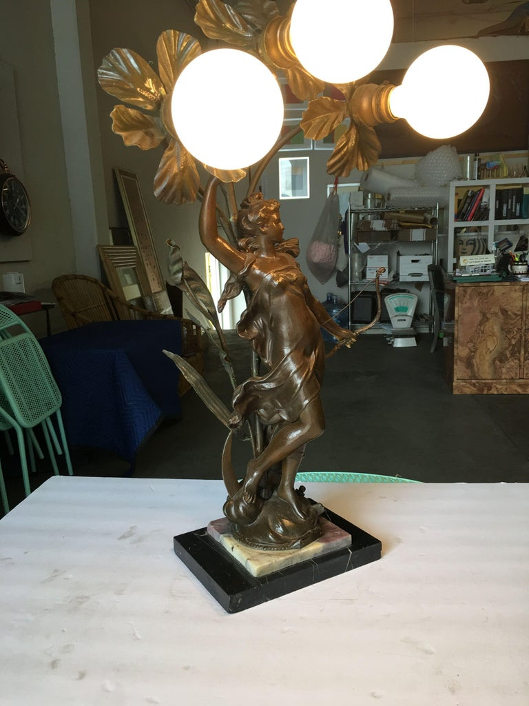 American Early Three Bulb Art Nouveau Figural Bronze and Marble Table Lamp For Sale