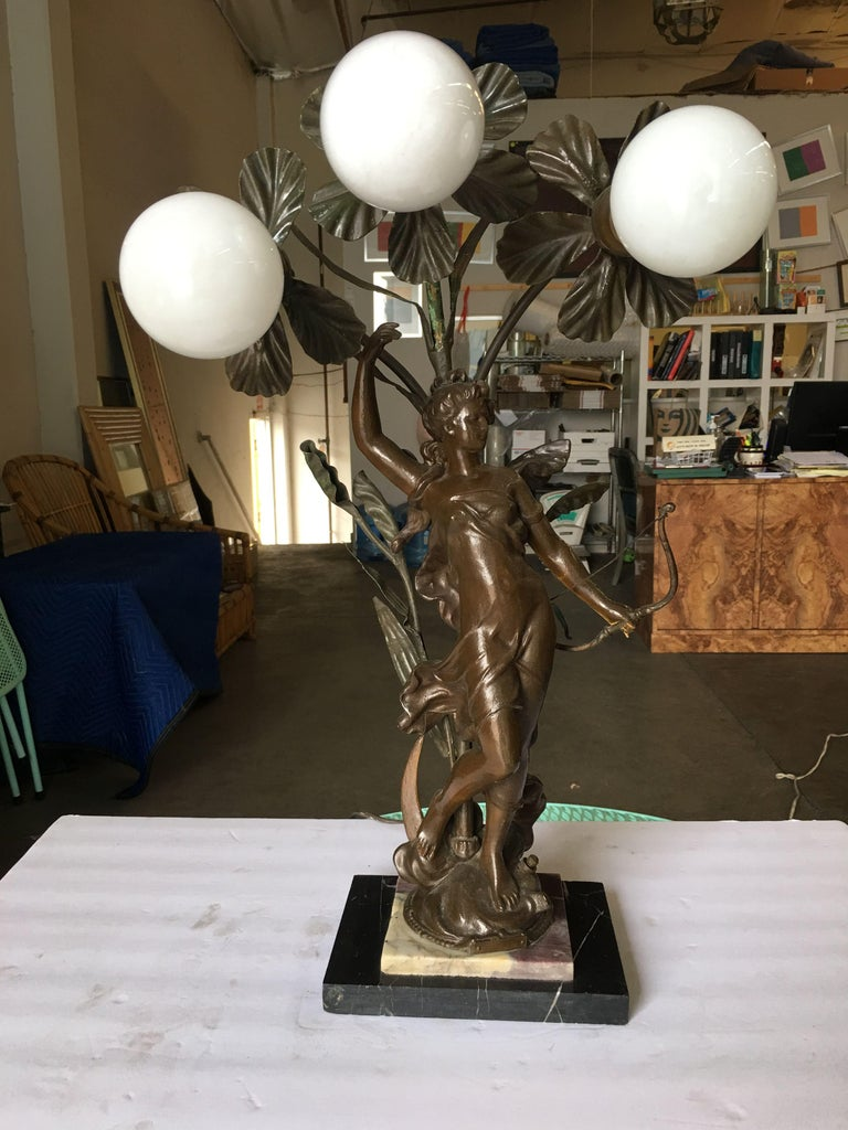Early Three Bulb Art Nouveau Figural Bronze and Marble Table Lamp In Excellent Condition For Sale In Van Nuys, CA