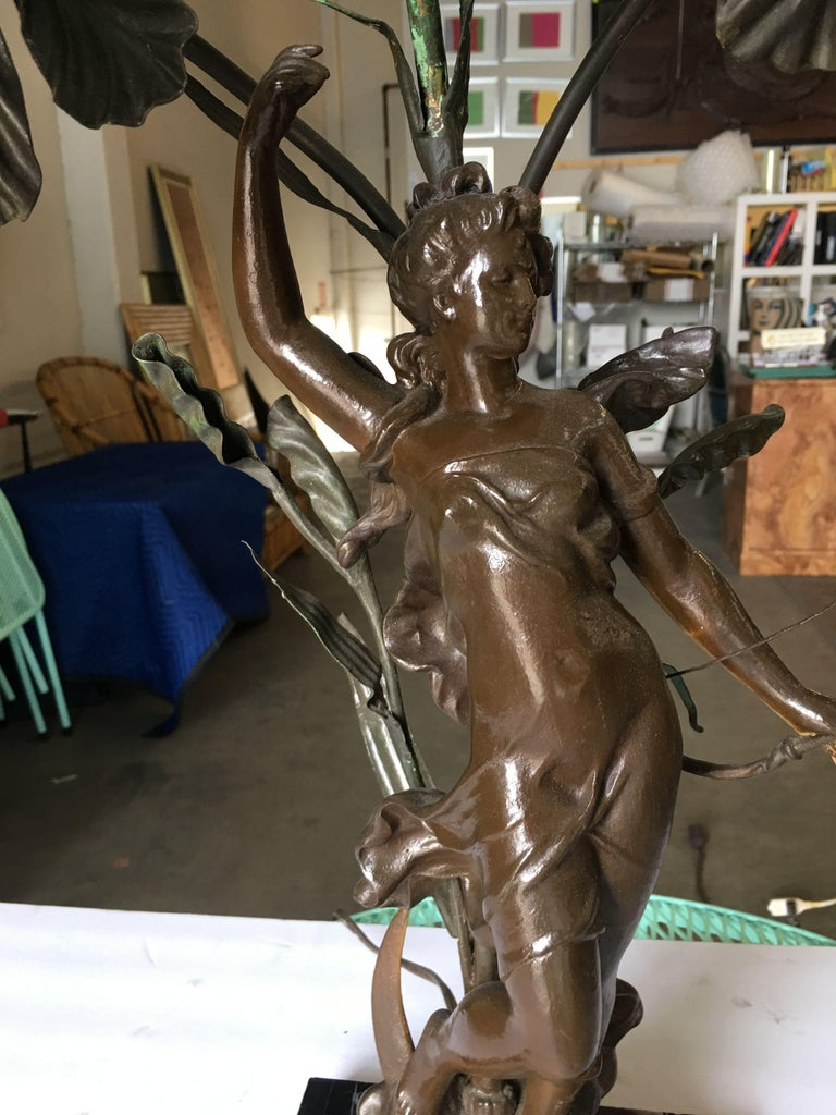 Early Three Bulb Art Nouveau Figural Bronze and Marble Table Lamp For Sale 1