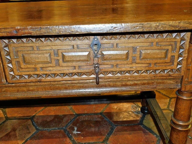 Early to Mid 17th Century Two-Drawer Spanish Library Table, Walnut and Chestnut In Excellent Condition For Sale In Santa Fe, NM