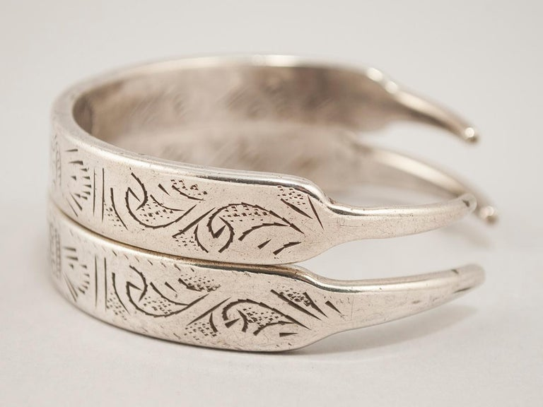Tunisian Early to Mid-20th Century Pair of Silver Bracelets, Tunisia or Libya For Sale