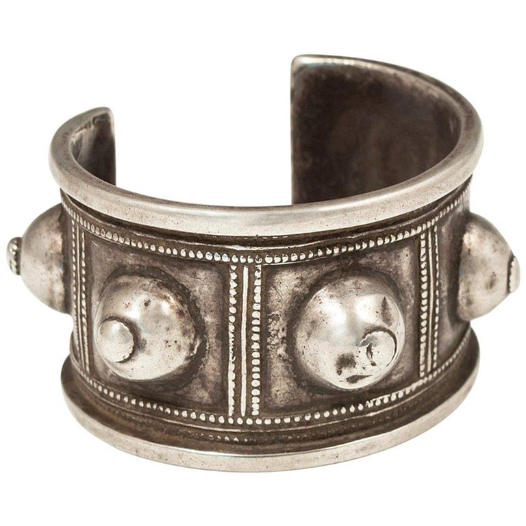 Early to Mid-20th Century Silver Tribal Bracelet, Algeria, North Africa For Sale