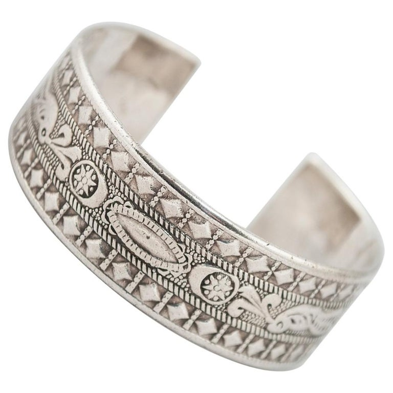 Early to Mid-20th Century Silver Tribal Bracelet, Berber People, Libya For Sale