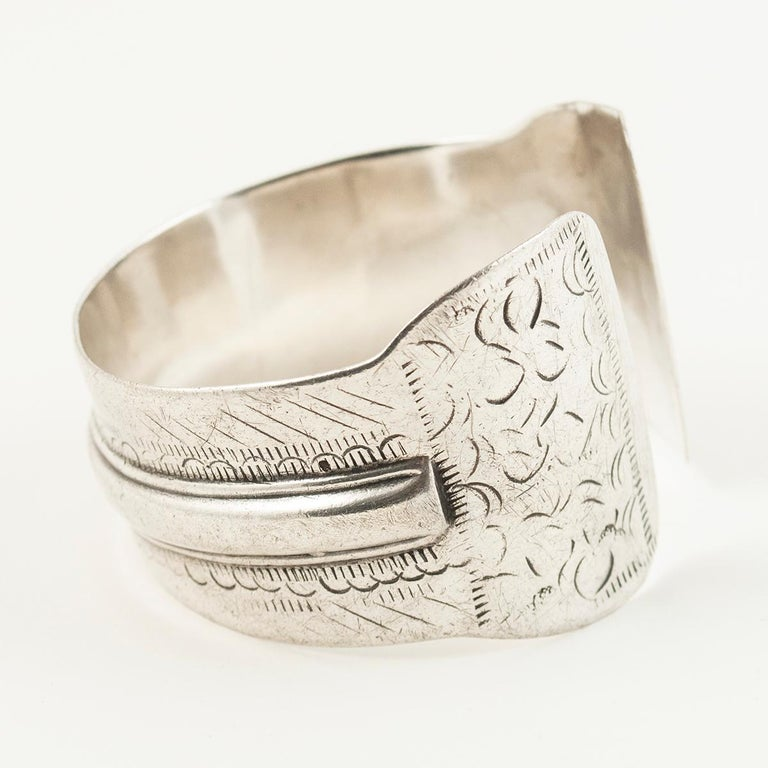 Hand-Crafted Early to Mid-20th Century Tribal Bedouin Silver Cuff, Tunisia For Sale