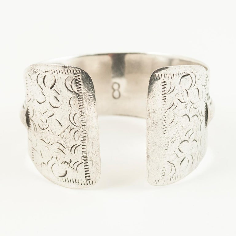Early to Mid-20th Century Tribal Bedouin Silver Cuff, Tunisia For Sale 1