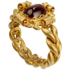 Early Victorian 18 Karat Gold and Garnet Cabochon Mourning Bracelet, 1840s