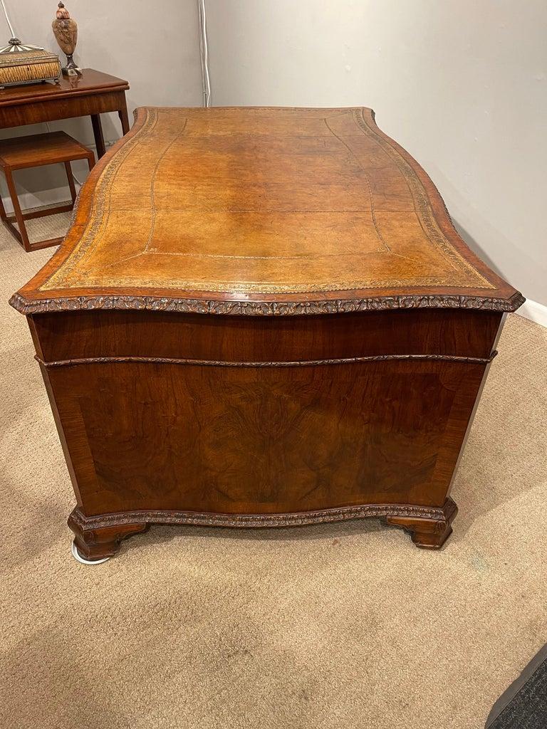 Early Victorian Burl Walnut 2 Pedestal Desk For Sale 7