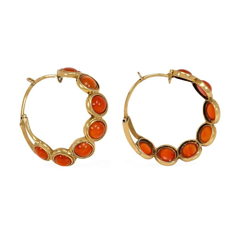 Early Victorian Carnelian Gold Hoop Earrings In Good Condition For Sale In New York, NY