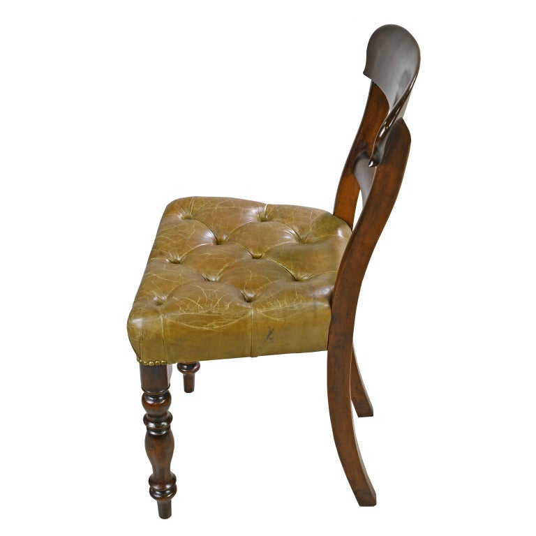 English Early Victorian Mahogany Chair with Tufted Leather Upholstery, England For Sale