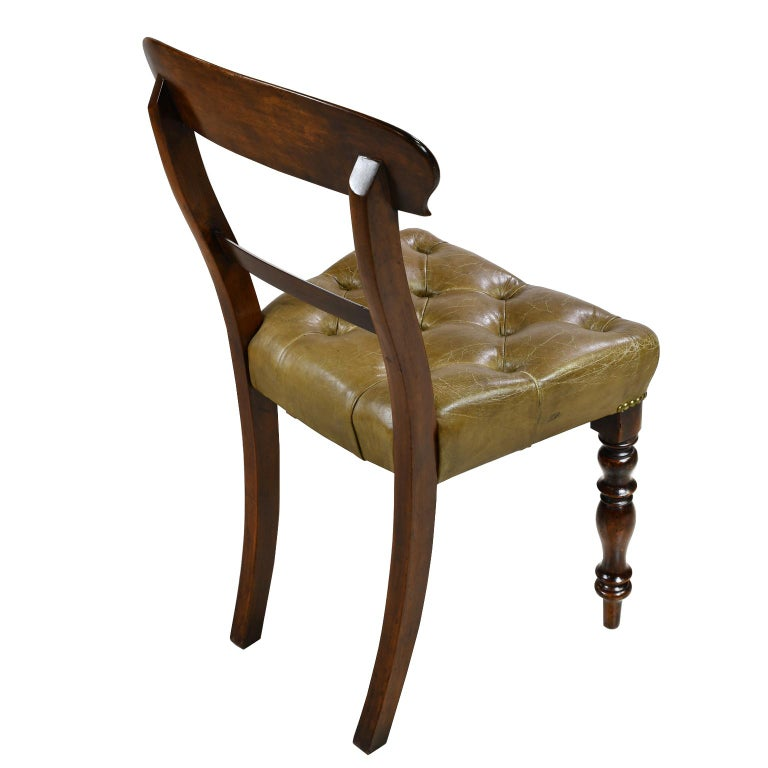 Mid-19th Century Early Victorian Mahogany Chair with Tufted Leather Upholstery, England For Sale