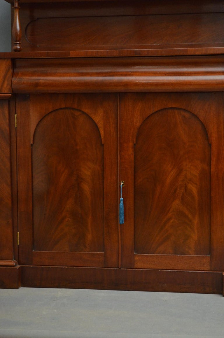 Early Victorian Mahogany Chiffonier For Sale 2