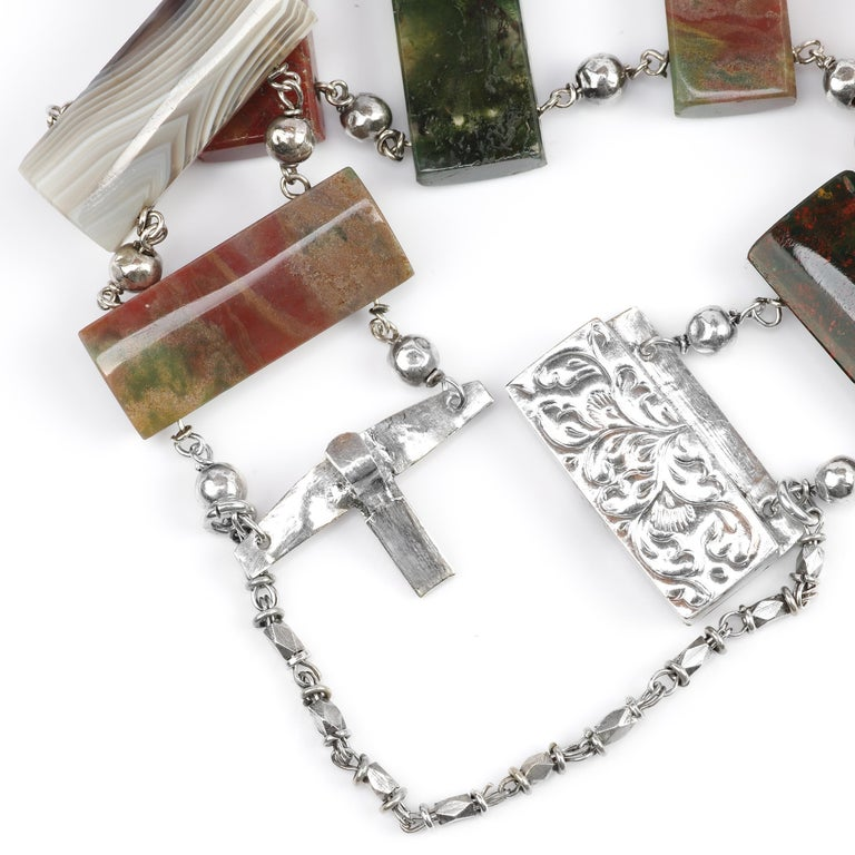 Early Victorian Scottish Agate Bracelet In Excellent Condition For Sale In Southbury, CT