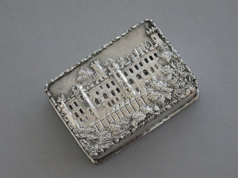 English Early Victorian Silver Castle-Top Vinaigrette - Warwick Castle By N Mills 1838 For Sale